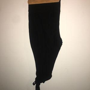 Mossimo black tie capri leggings XL